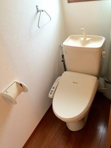 102トイレ